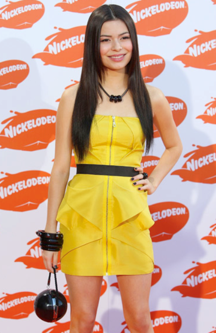 Miranda Cosgrove, who just signed a new iCarly contract for a reported ...