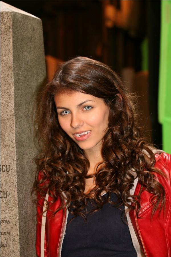 Victoria justice the boy who cried werewolf pictures
